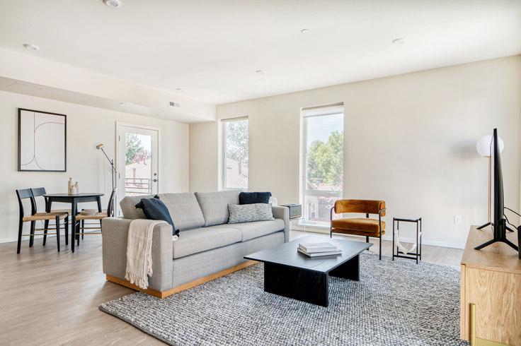 2 bedroom furnished apartment in Arboretum, 2049 S Columbine St 26, University, Denver, photo 1