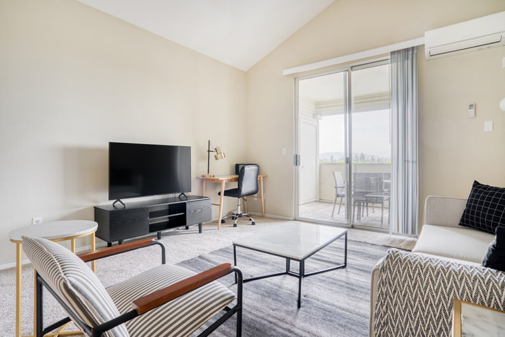 3 bedroom furnished apartment in Avalon Campbell 2, 530 Railway Ave 580, Campbell, San Francisco Bay Area, photo 1
