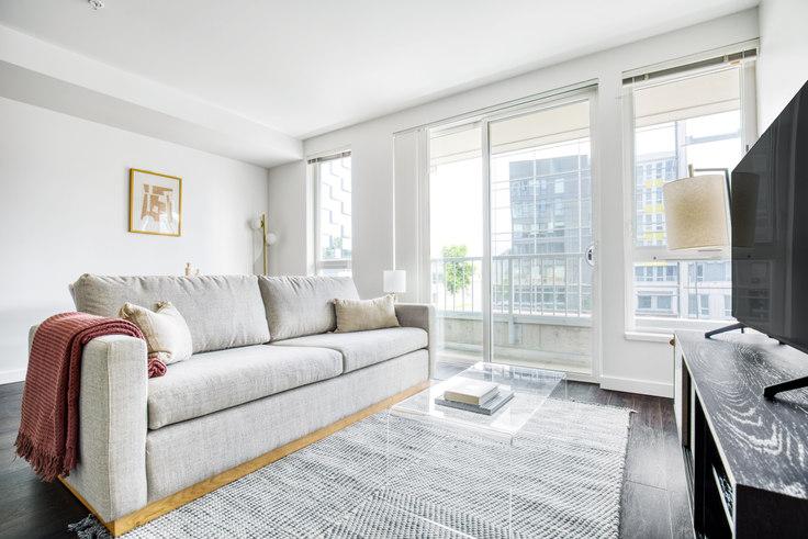 1 bedroom furnished apartment in Arras - Bellevue, 12288 NE 12th Ln 145, Bellevue, Seattle, photo 1