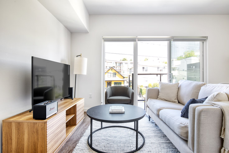 1 bedroom furnished apartment in The CC Apartments, 701 16th Ave 146, First Hill, Seattle, photo 1
