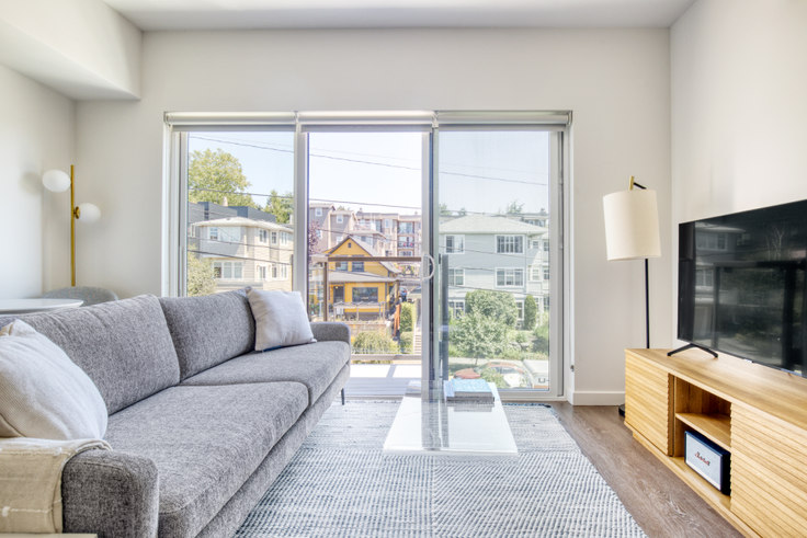 Studio furnished apartment in The CC Apartments, 701 16th Ave 147, First Hill, Seattle, photo 1