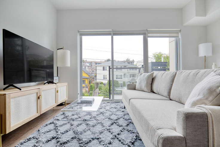Studio furnished apartment in The CC Apartments, 701 16th Ave 148, First Hill, Seattle, photo 1