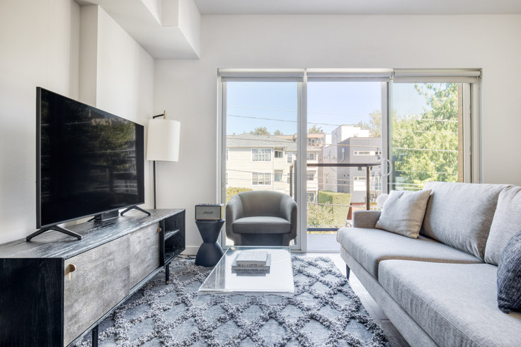 1 bedroom furnished apartment in The CC Apartments, 701 16th Ave 149, First Hill, Seattle, photo 1