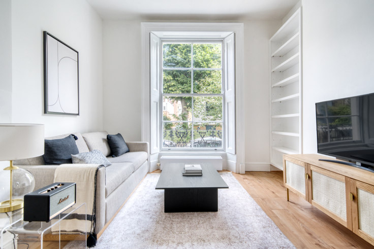 1 bedroom furnished apartment in Monmouth Rd 72, Bayswater, London, photo 1