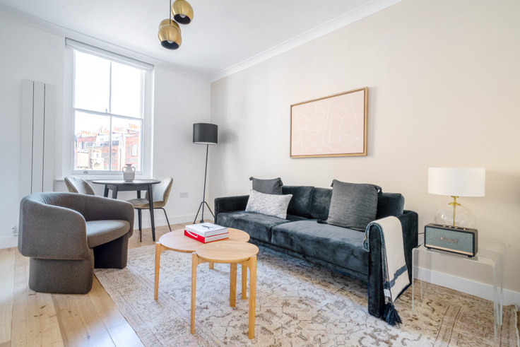 1 bedroom furnished apartment in Old Brompton Rd 73, South Kensington, London, photo 1
