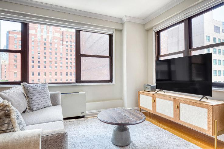 Studio furnished apartment in Stonehenge 33, 141 E 33rd St 628, Kips Bay, New York, photo 1