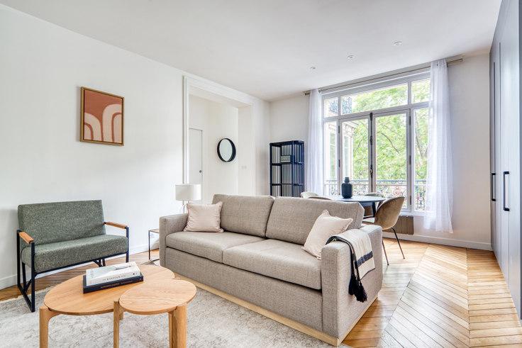 2 bedroom furnished apartment in Avenue de Villiers 94, Ternes, Paris, photo 1
