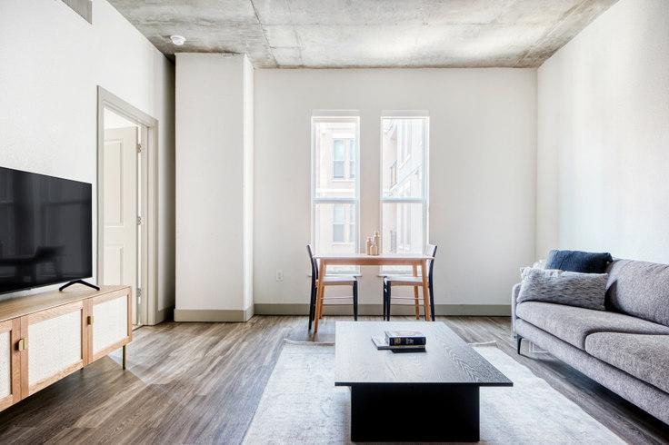 1 bedroom furnished apartment in TwentyOne01, 2101 Market St 33, LoDo, Denver, photo 1