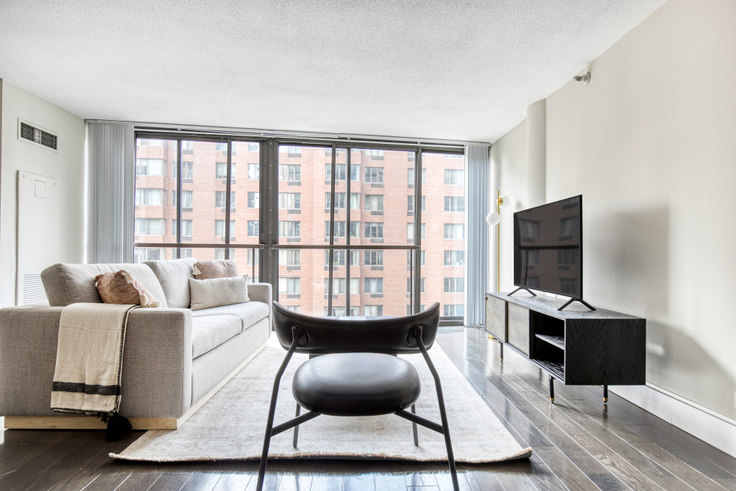 2 bedroom furnished apartment in 777 South State, 2 E 8th St 423, South Loop, Chicago, photo 1