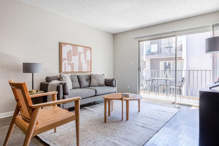 1 bedroom furnished apartment in Los Feliz Village - 3941 Veselich Ave 501, Glendale, Los Angeles, photo 1