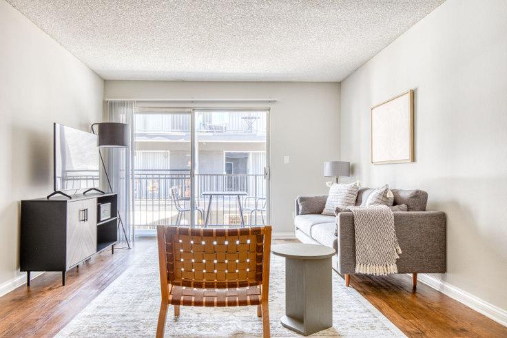 1 bedroom furnished apartment in Los Feliz Village - 3941 Veselich Ave 502, Glendale, Los Angeles, photo 1
