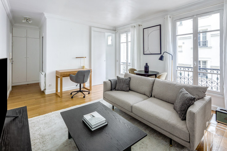 1 bedroom furnished apartment in Rue Surcouf 100, Invalides, Paris, photo 1