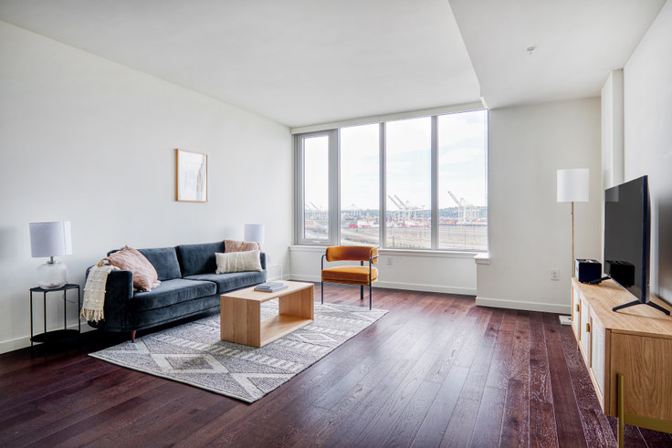 1 bedroom furnished apartment in Gridiron Condos, 590 1st Ave S 156, Pioneer Square, Seattle, photo 1