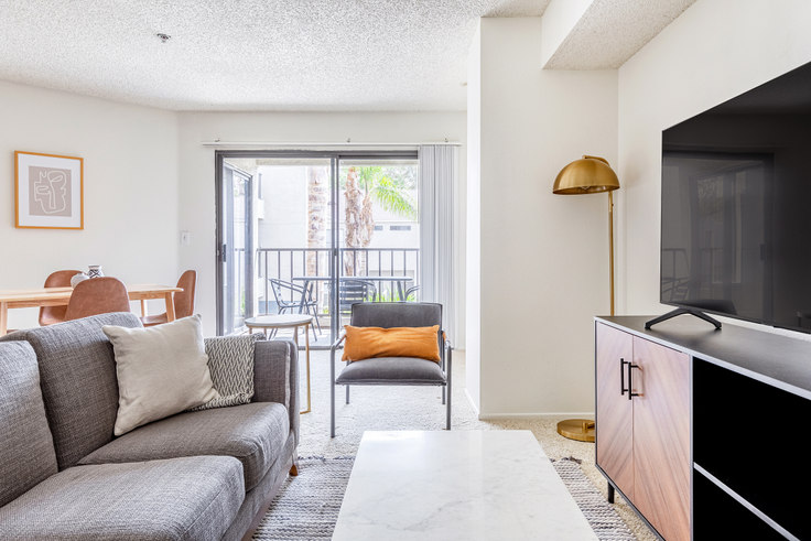 2 bedroom furnished apartment in Prado Apartments, 268 W Dryden St 504, Glendale, Los Angeles, photo 1