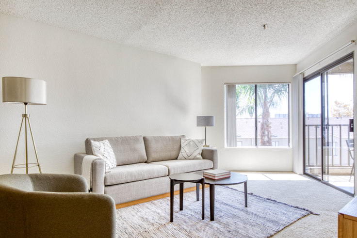 1 bedroom furnished apartment in Prado Apartments, 224 W Dryden St 505, Glendale, Los Angeles, photo 1