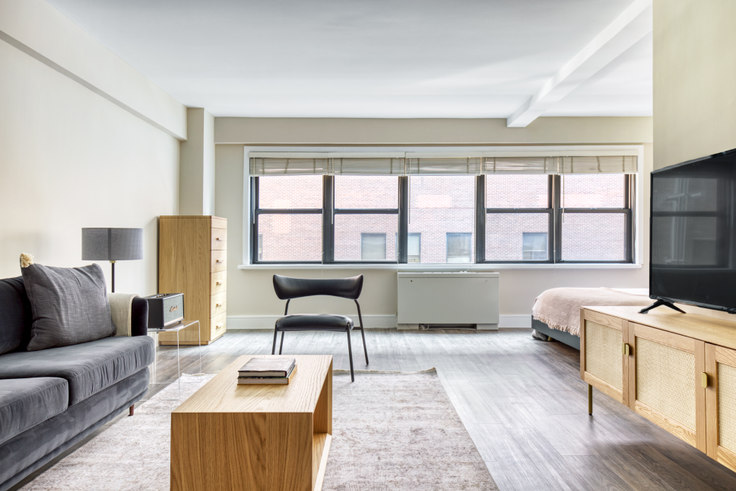 Studio furnished apartment in Renoir House, 225 E 63rd St 634, Upper East Side, New York, photo 1