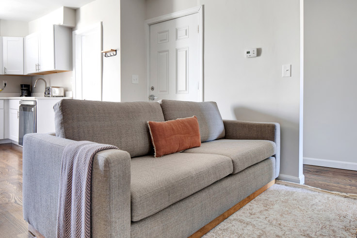 2 bedroom furnished apartment in 241 E St 456, South Boston, Boston, photo 1