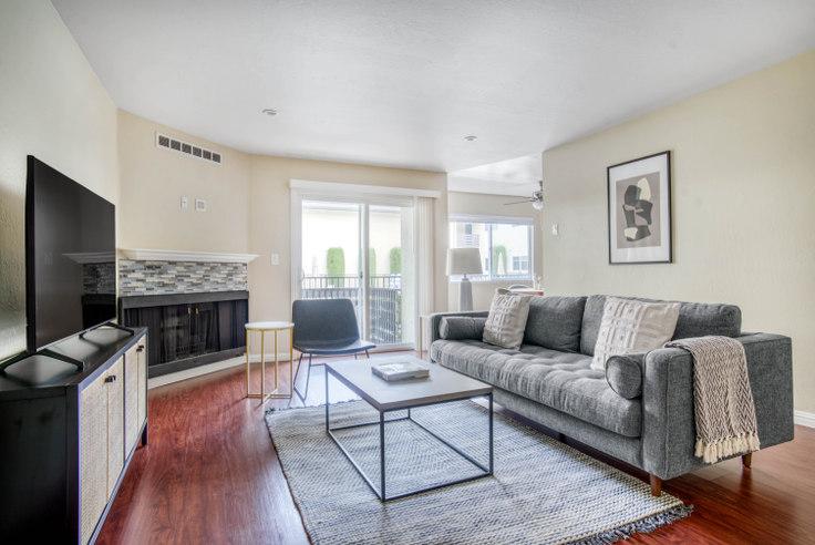 2 bedroom furnished apartment in Arlington Apartments, 235 Arlington Rd 627, Redwood City, San Francisco Bay Area, photo 1