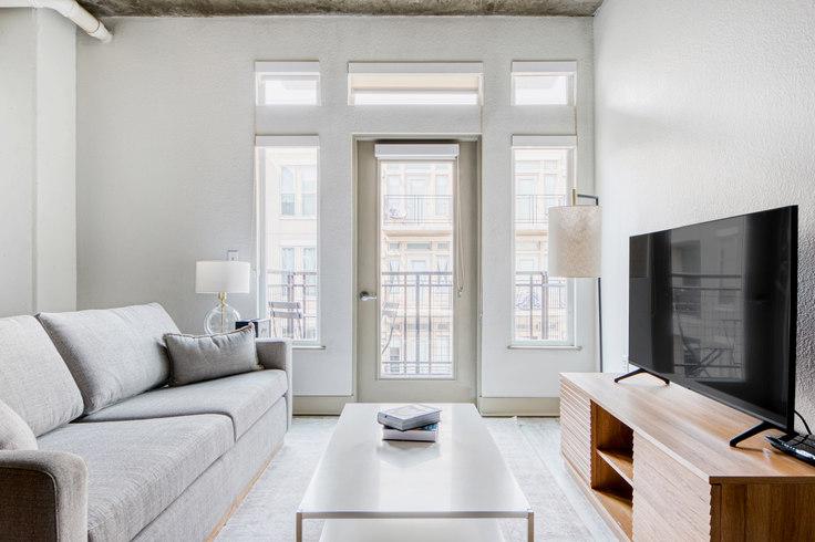 1 bedroom furnished apartment in TwentyOne01,  2101 Market St 43, LoDo, Denver, photo 1