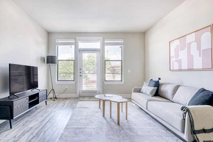 1 bedroom furnished apartment in The Arnold, 1621 E 6th St 3, East Austin, Austin, photo 1