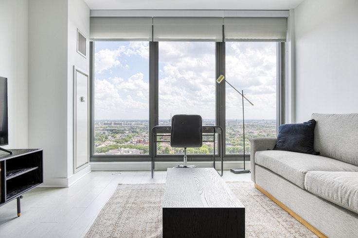 1 bedroom furnished apartment in Landmark West Loop, 1035 W Van Buren St 433, West Loop, Chicago, photo 1