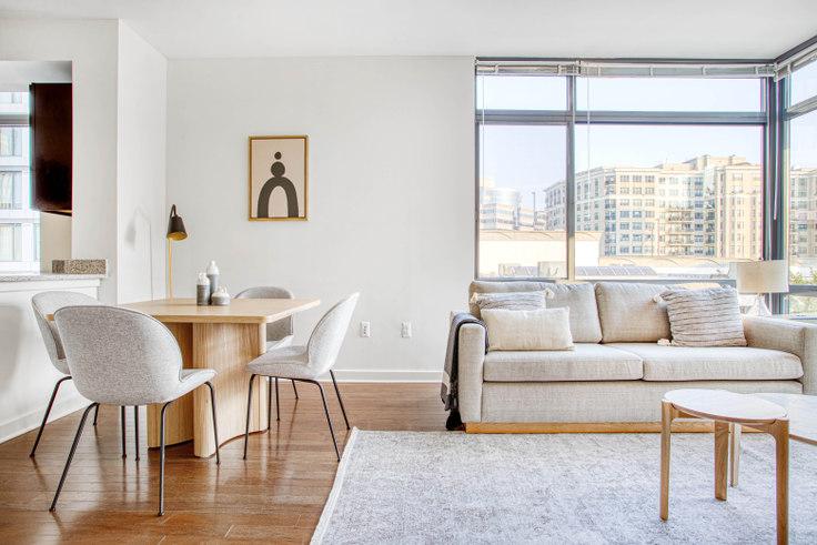 2 bedroom furnished apartment in Bainbridge, 4918 St Elmo Ave 315, Bethesda, Washington D.C., photo 1
