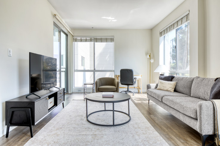 1 bedroom furnished apartment in Living At NoHo, 11023 McCormick 527, North Hollywood, Los Angeles, photo 1