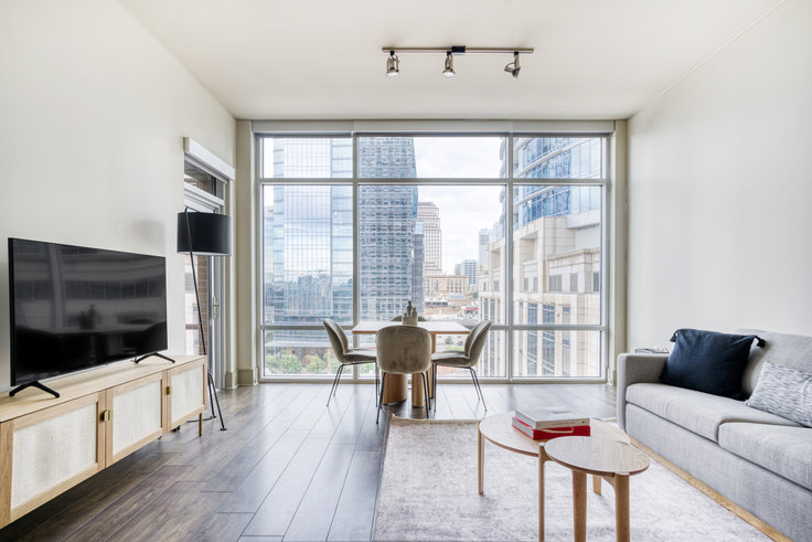 2 bedroom furnished apartment in Ashton,  101 Colorado St 11, Downtown, Austin, photo 1