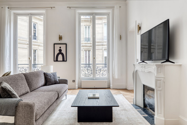 2 bedroom furnished apartment in Boulevard Malesherbes 102, Monceau, Paris, photo 1