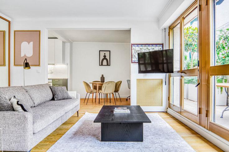 1 bedroom furnished apartment in Rue du Docteur Germain Sée 104, Trocadéro, Paris, photo 1