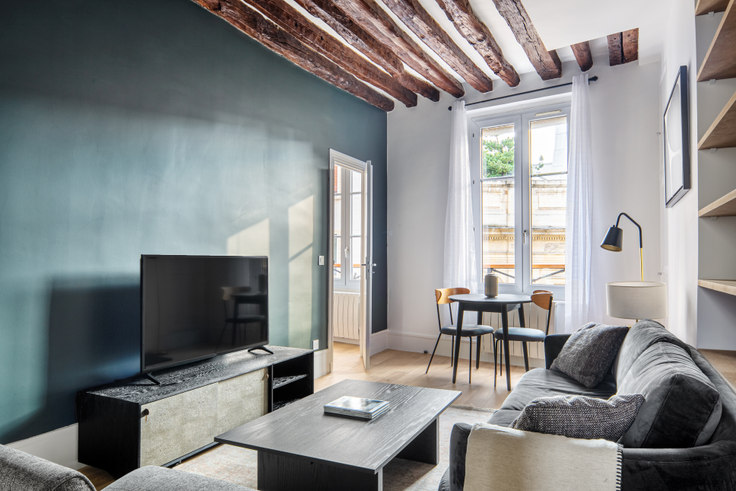 1 bedroom furnished apartment in Rue de Grenelle 109, Invalides, Paris, photo 1