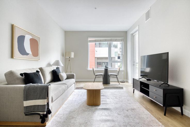 2 bedroom furnished apartment in Avalon Public Market, 6301 Shellmound St 668, Emeryville, San Francisco Bay Area, photo 1