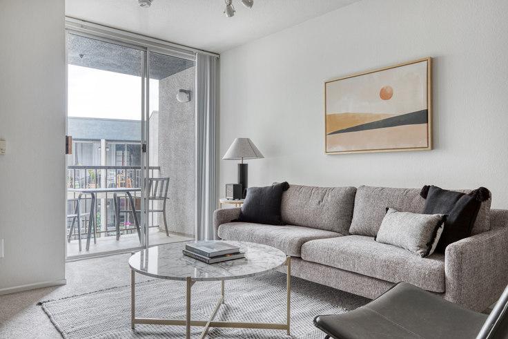 1 bedroom furnished apartment in Eaves Los Feliz, 3100 Riverside Dr 548, Glendale, Los Angeles, photo 1