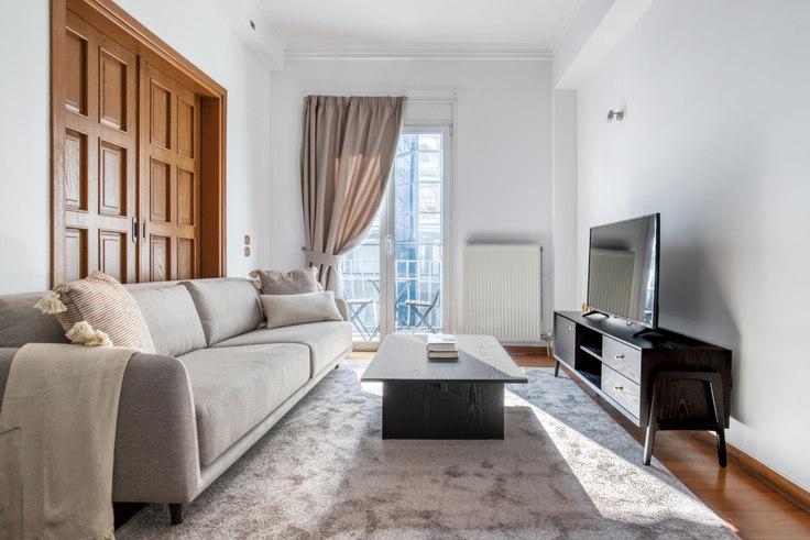 3 bedroom furnished apartment in Tsakalof IV 1118, Kolonaki, Athens, photo 1