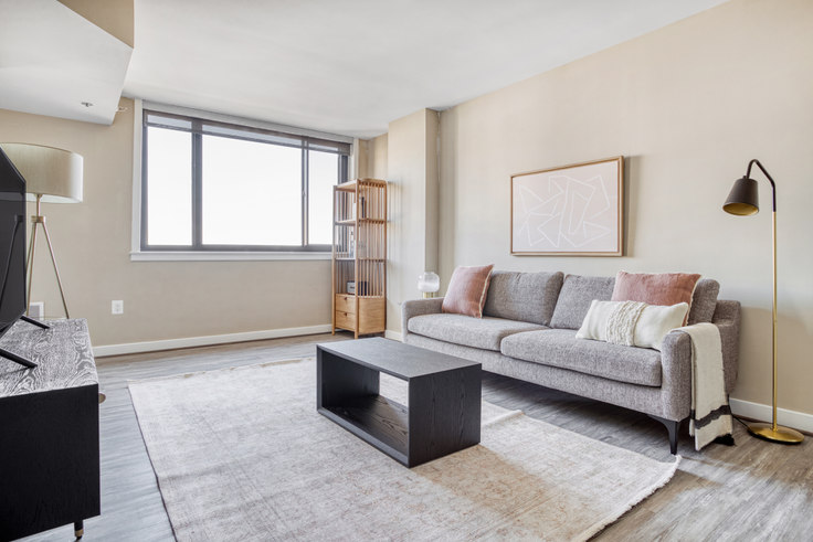 1 bedroom furnished apartment in Courtland Towers, 1200 N Veitch St 349, Clarendon, Washington D.C., photo 1