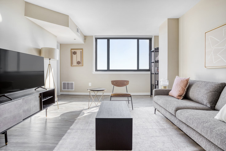1 bedroom furnished apartment in Courtland Towers, 1200 N Veitch St 350, Clarendon, Washington D.C., photo 1